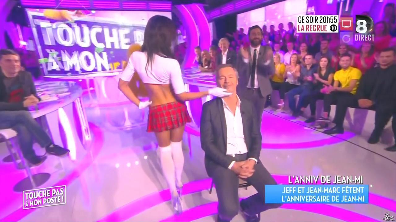 Inconnue dans Touche pas à mon Poste. Diffusé à la télévision le 03/11/15.