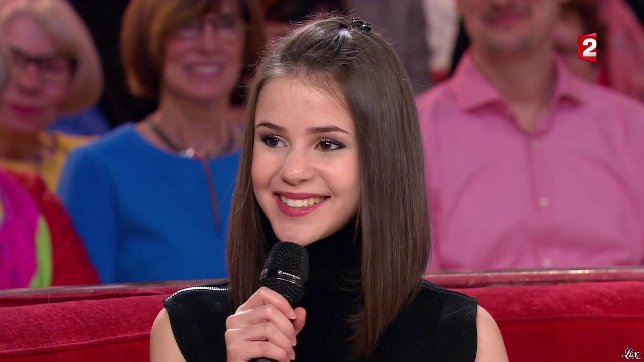 Marina Kaye dans Vivement Dimanche. Diffusé à la télévision le 06/03/16.