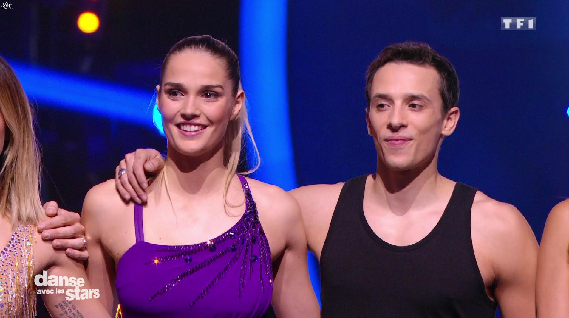 Camille Lou dans Danse avec les Stars. Diffusé à la télévision le 10/11/16.