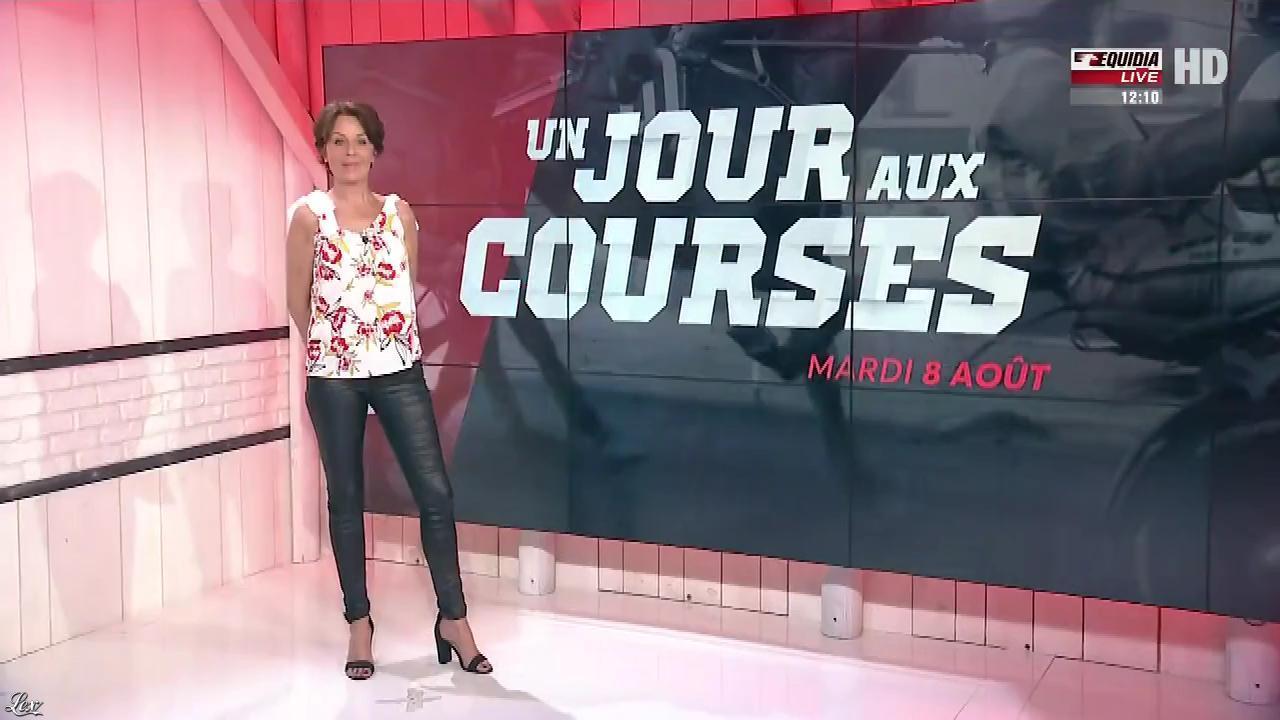 Laure Legrand dans un Jour aux Courses. Diffusé à la télévision le 08/08/17.