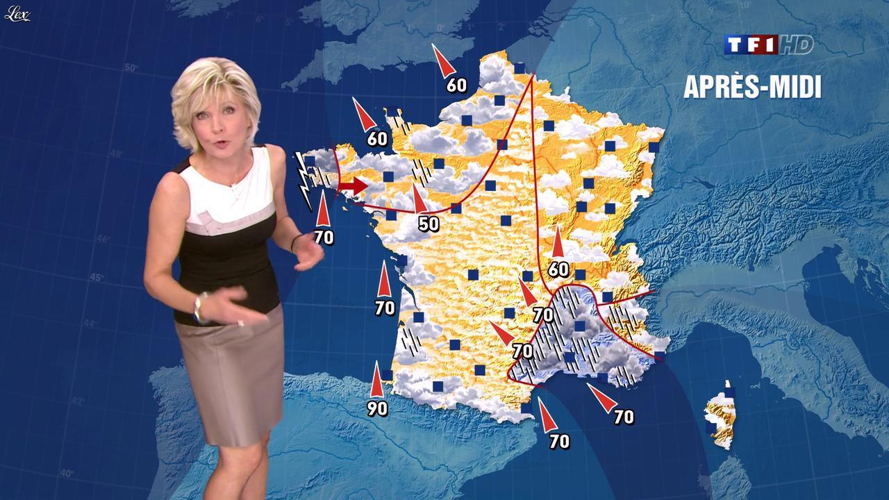 Evelyne Dhéliat dans la Meteo de 13h. Diffusé à la télévision le 02/11/11.