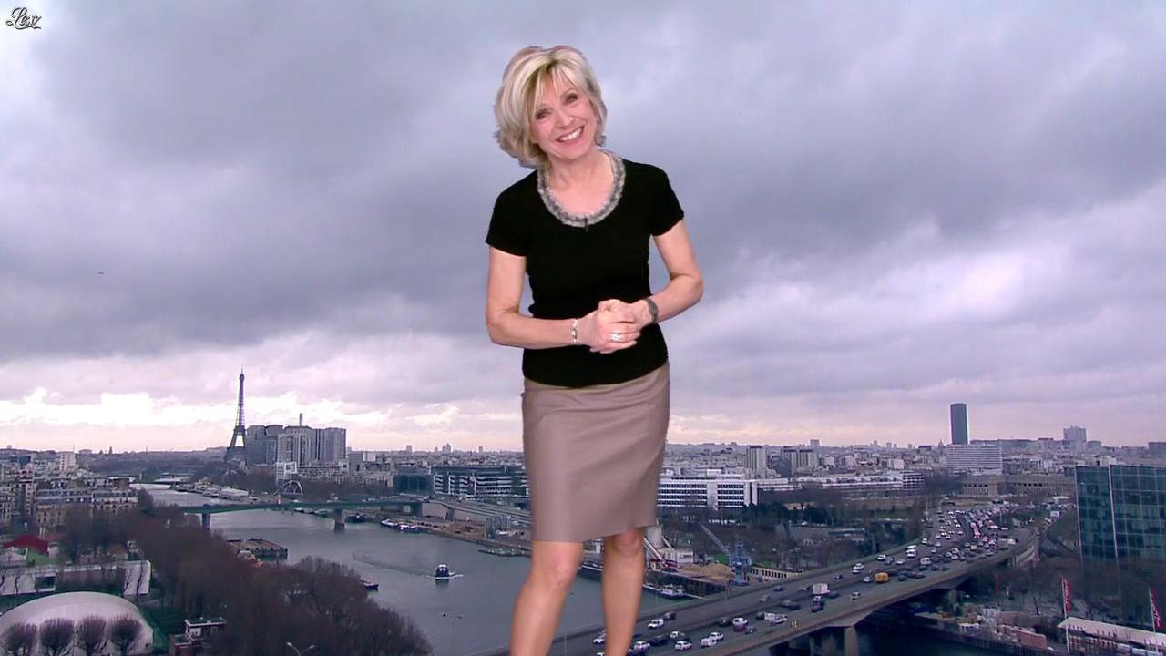 Evelyne Dhéliat dans la Meteo de 13h. Diffusé à la télévision le 15/02/12.
