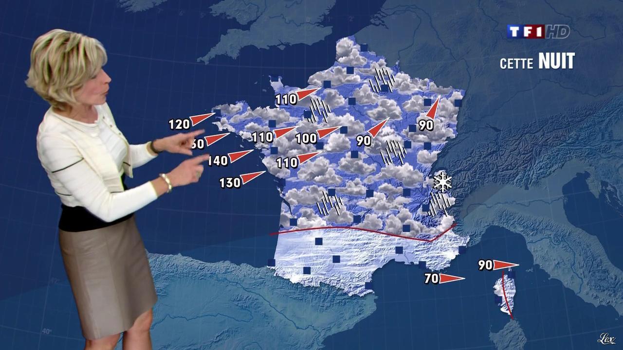 Evelyne Dhéliat dans la Meteo de 20h. Diffusé à la télévision le 14/12/11.