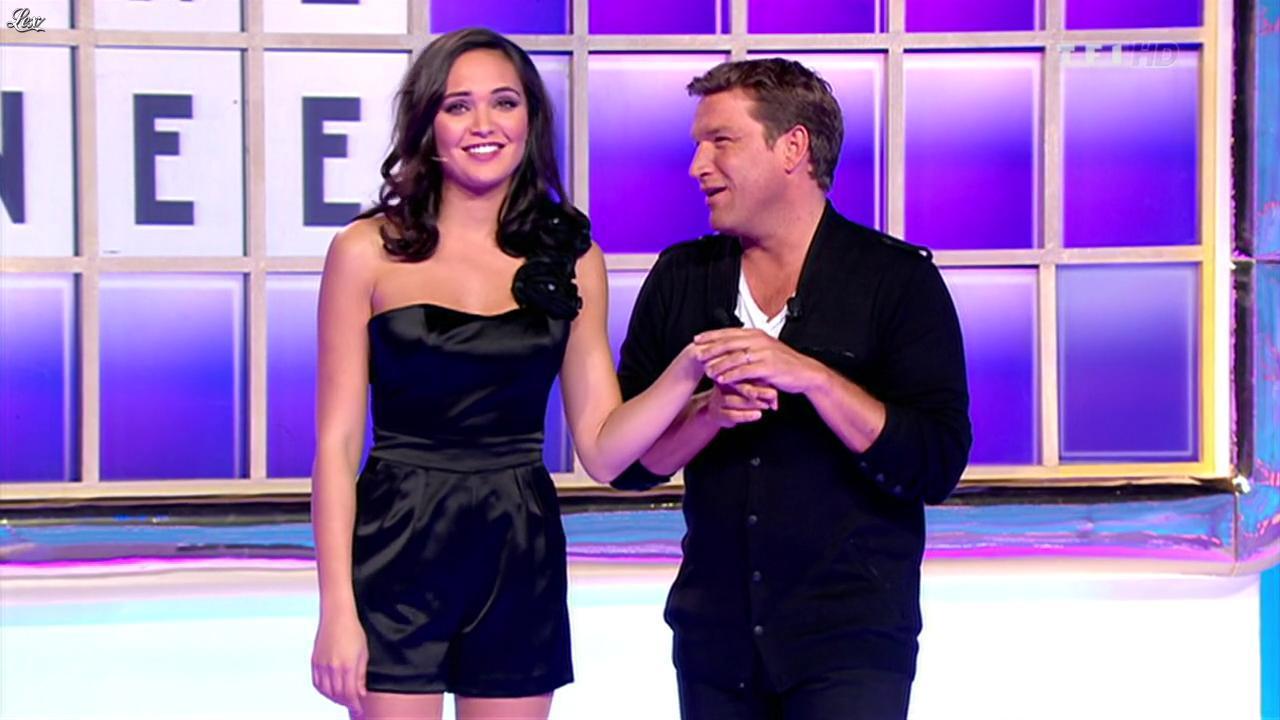 Valérie Bègue dans la Roue De La Fortune. Diffusé à la télévision le 02/01/12.