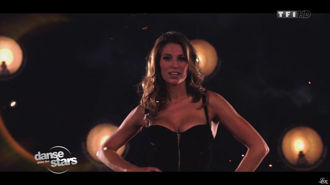 Laury Thilleman dans Danse avec les Stars. Diffusé à la télévision le 28/09/13.