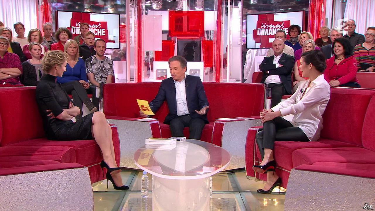 Alexandra Lamy et Mélanie Doutey dans Vivement Dimanche. Diffusé à la télévision le 15/02/15.