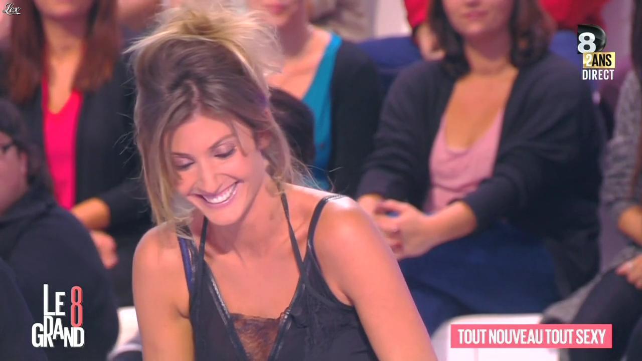 Caroline Ithurbide dans le Grand 8. Diffusé à la télévision le 08/10/14.