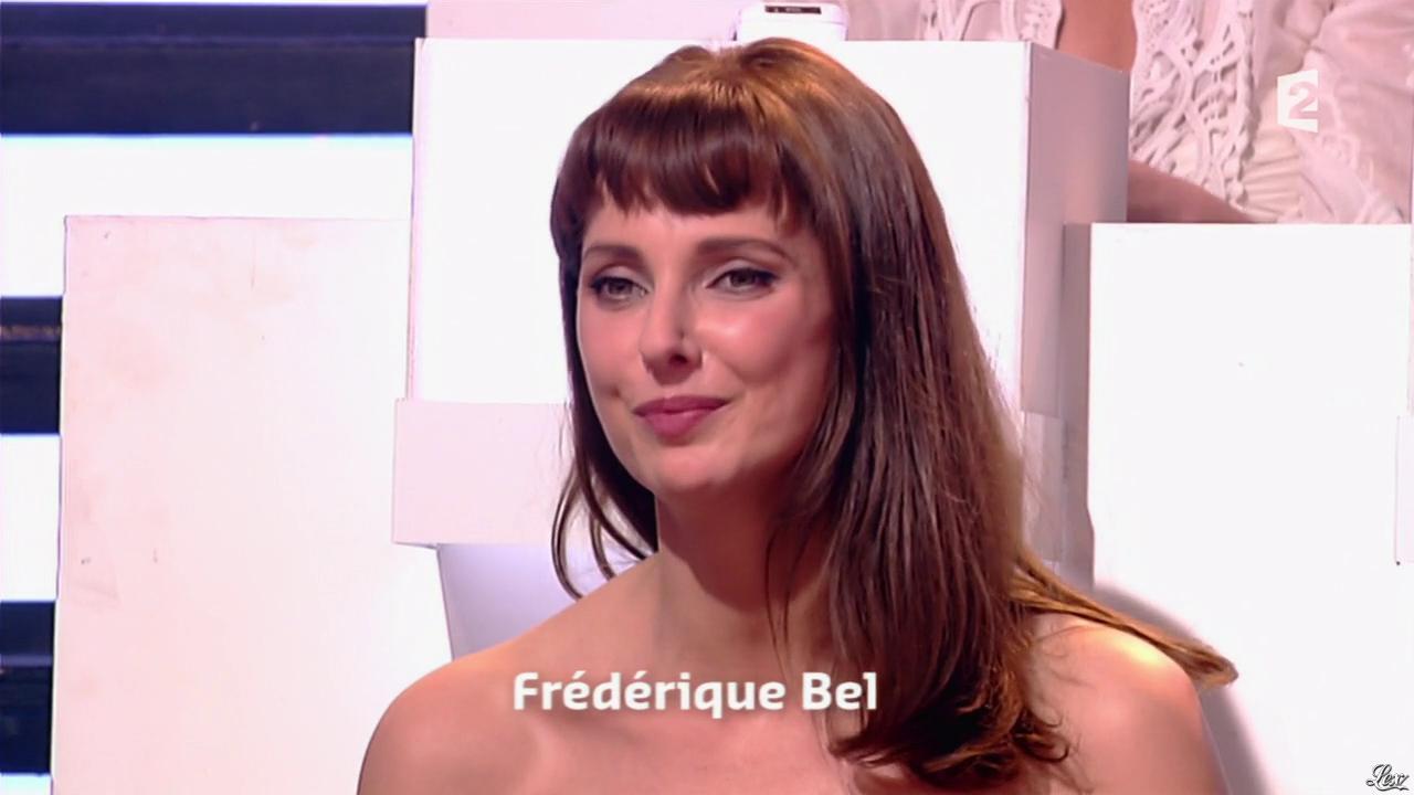Frédérique Bel dans Que le Meilleur Gagne. Diffusé à la télévision le 07/02/15.