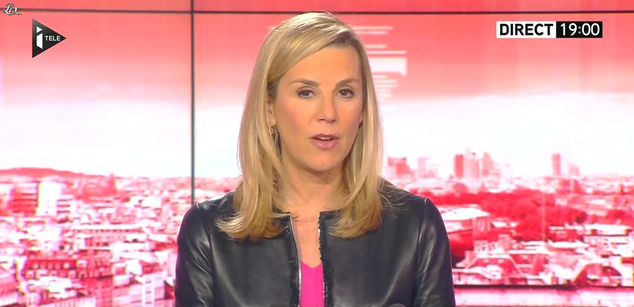 Laurence Ferrari dans Tirs Croisés. Diffusé à la télévision le 09/02/15.