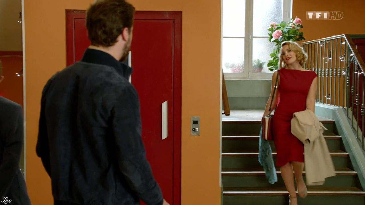 Joy Esther dans Nos Chers Voisins. Diffusé à la télévision le 11/12/15.
