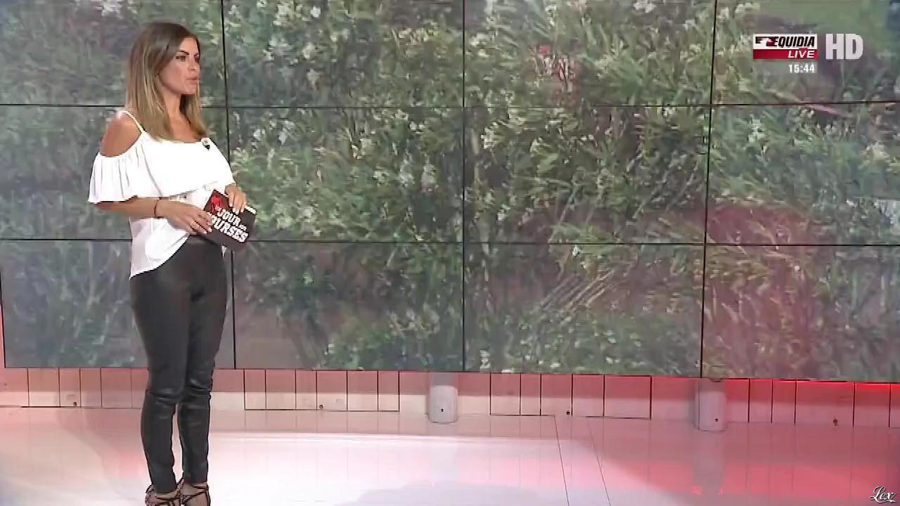 Amélie Bitoun dans un Jour aux Courses. Diffusé à la télévision le 04/07/17.