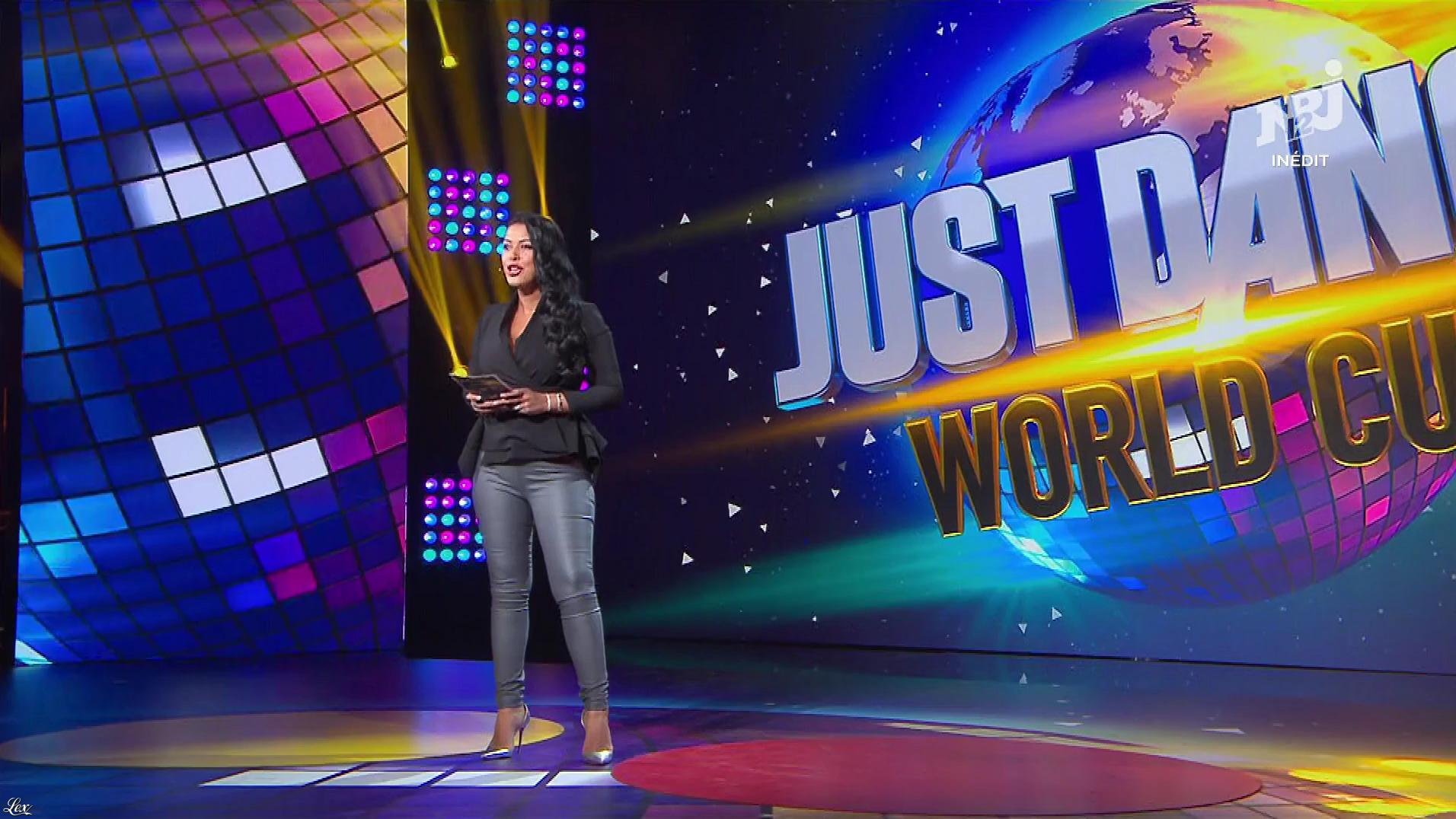 Ayem Nour dans Just Dance. Diffusé à la télévision le 29/11/17.