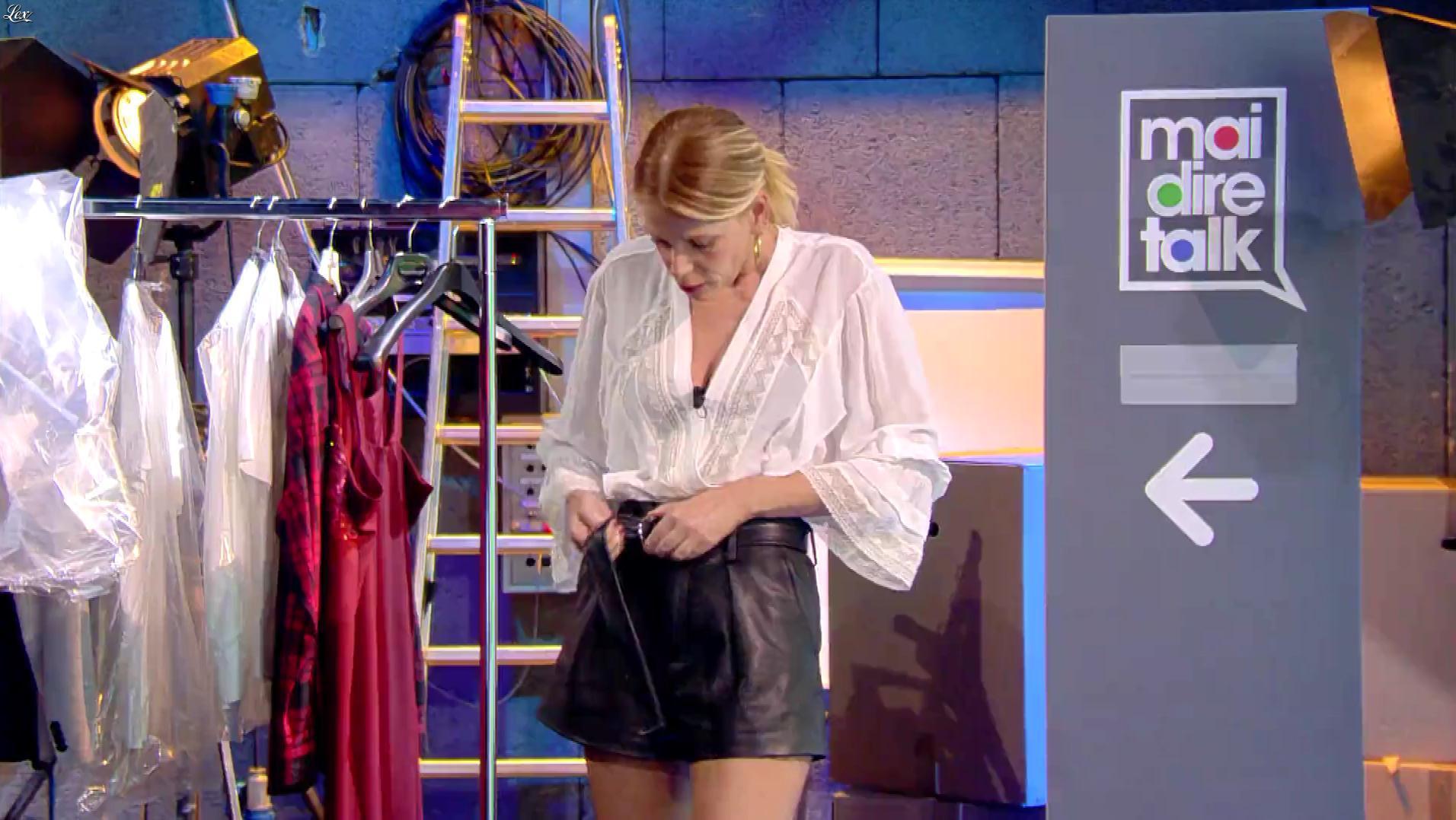 Alessia Marcuzzi dans Mai Dire Talk. Diffusé à la télévision le 10/01/19.