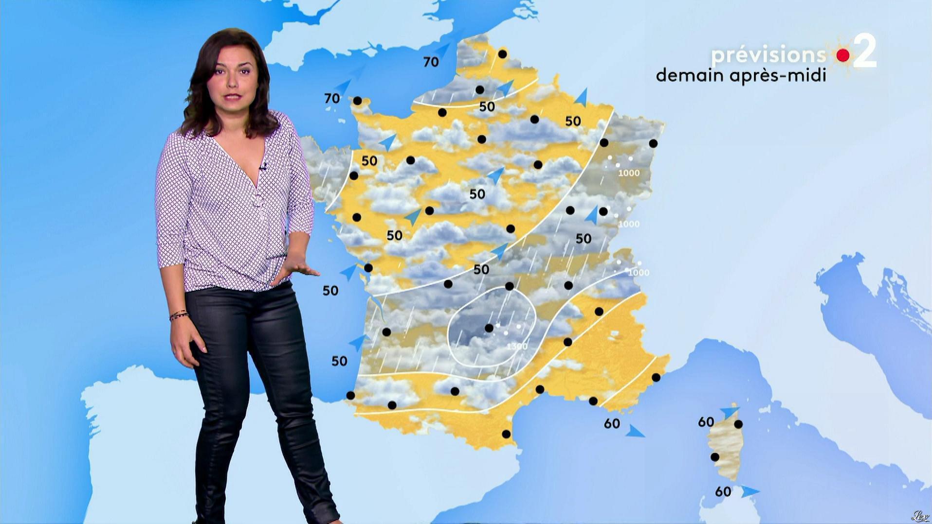 Anaïs Baydemir à la Météo de Midi. Diffusé à la télévision le 19/12/18.