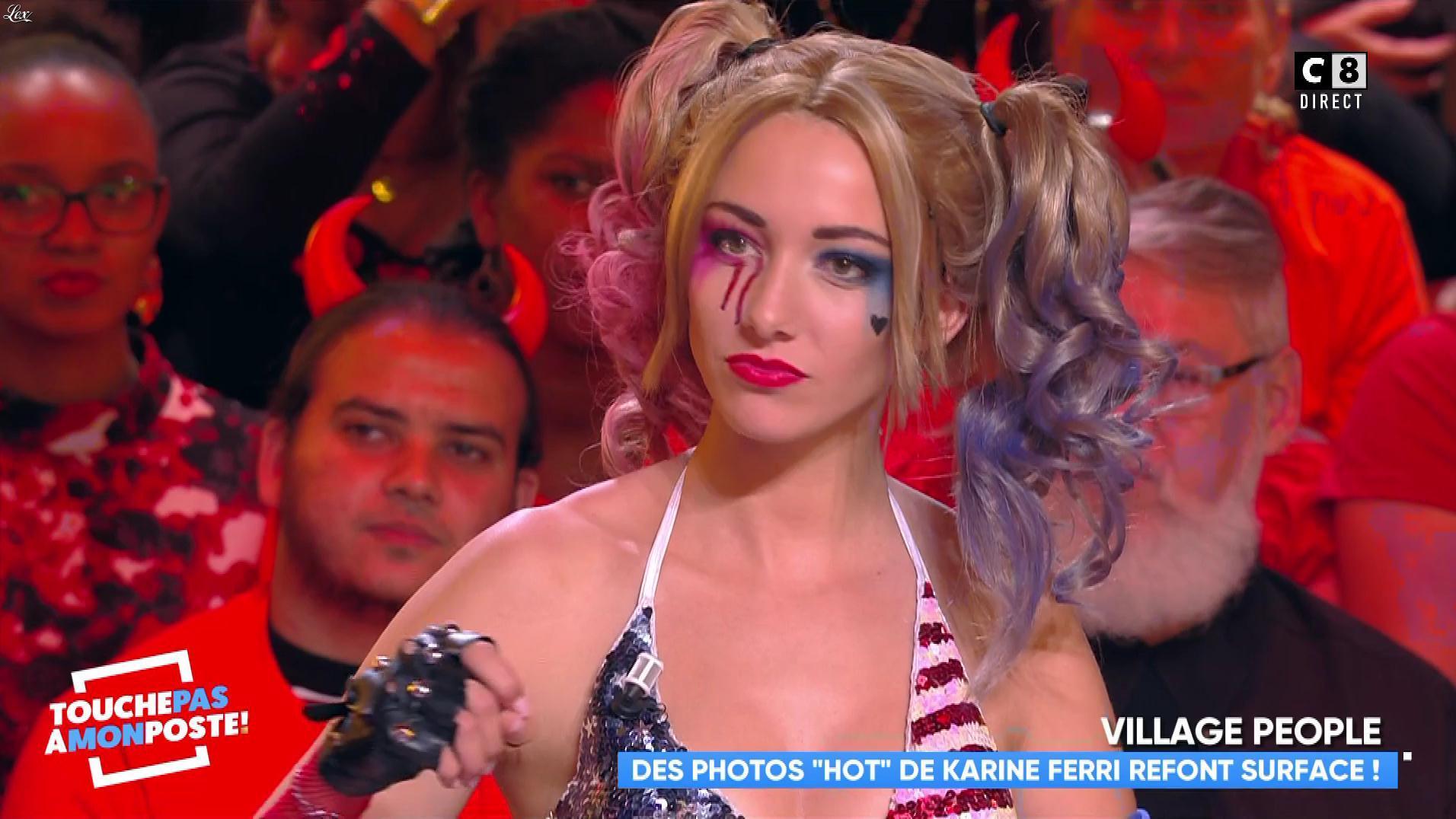 Delphine Wespiser dans Touche pas à mon Poste. Diffusé à la télévision le 31/10/18.
