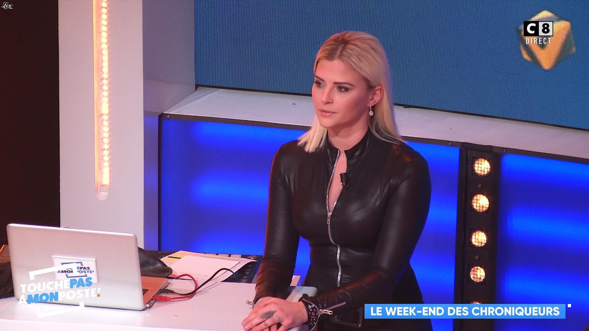 Kelly Vedovelli dans Touche pas à mon Poste. Diffusé à la télévision le 21/01/19.