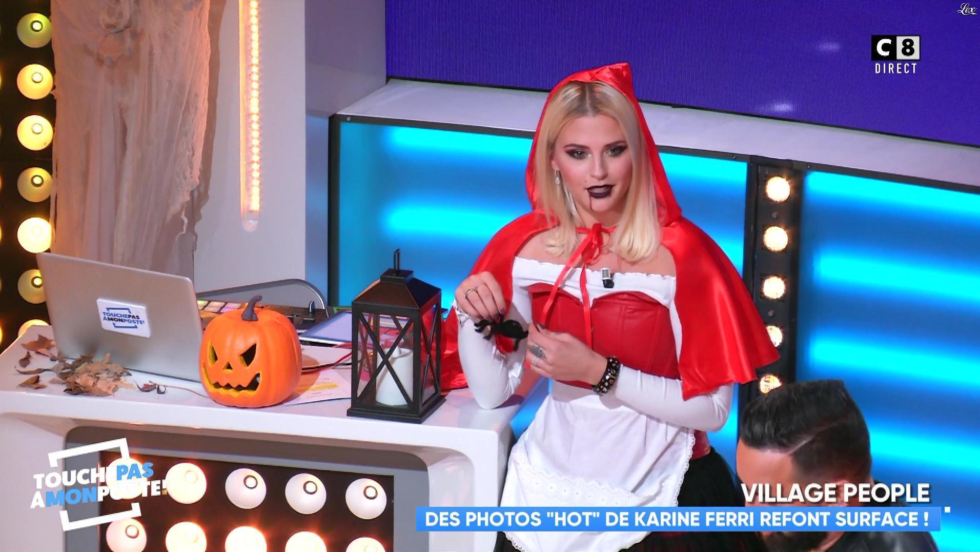 Kelly Vedovelli dans Touche pas à mon Poste. Diffusé à la télévision le 31/10/18.