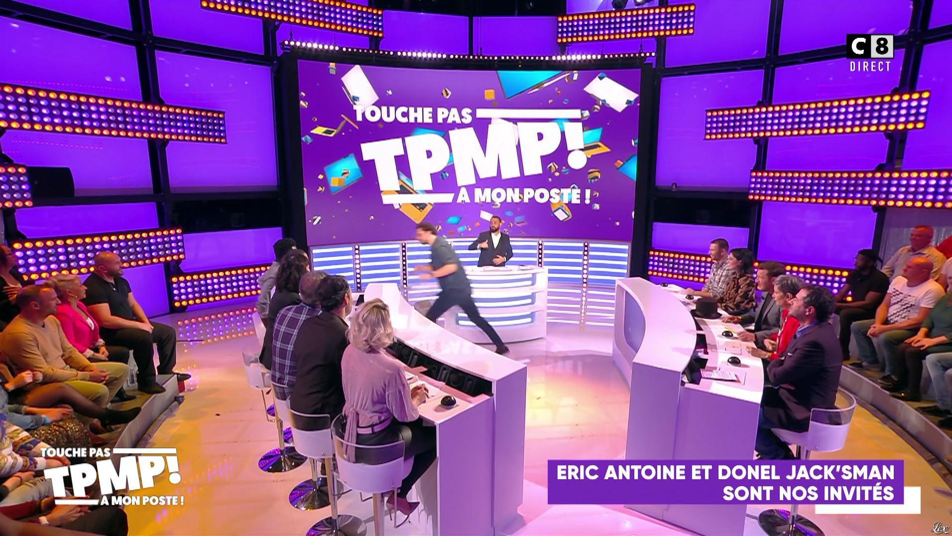 Agathe Auproux et Kelly Vedovelli dans Touche pas à mon Poste. Diffusé à la télévision le 22/10/19.