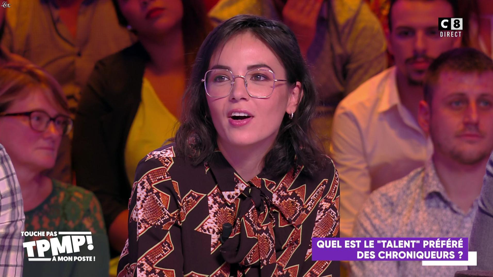 Agathe Auproux dans Touche pas à mon Poste. Diffusé à la télévision le 22/10/19.