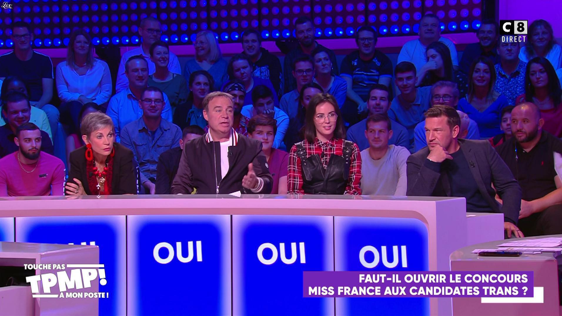 Agathe Auproux dans Touche pas à mon Poste. Diffusé à la télévision le 29/10/19.
