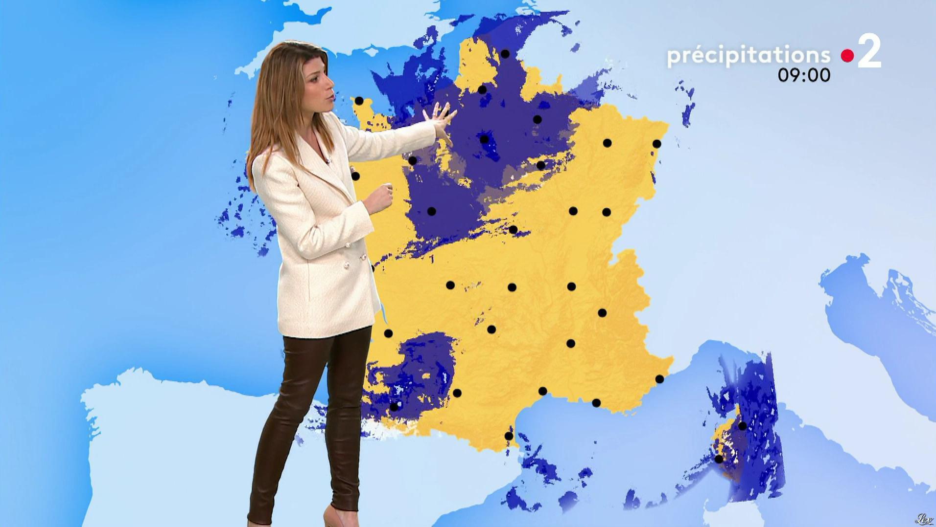 Chloé Nabédian à la Météo de Midi. Diffusé à la télévision le 15/11/19.