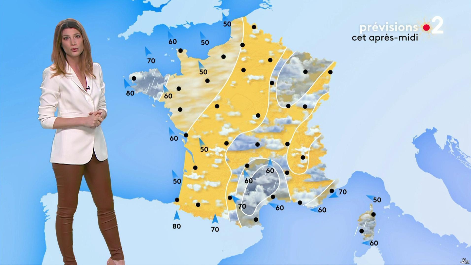 Chloé Nabédian à la Météo de Midi. Diffusé à la télévision le 18/12/19.