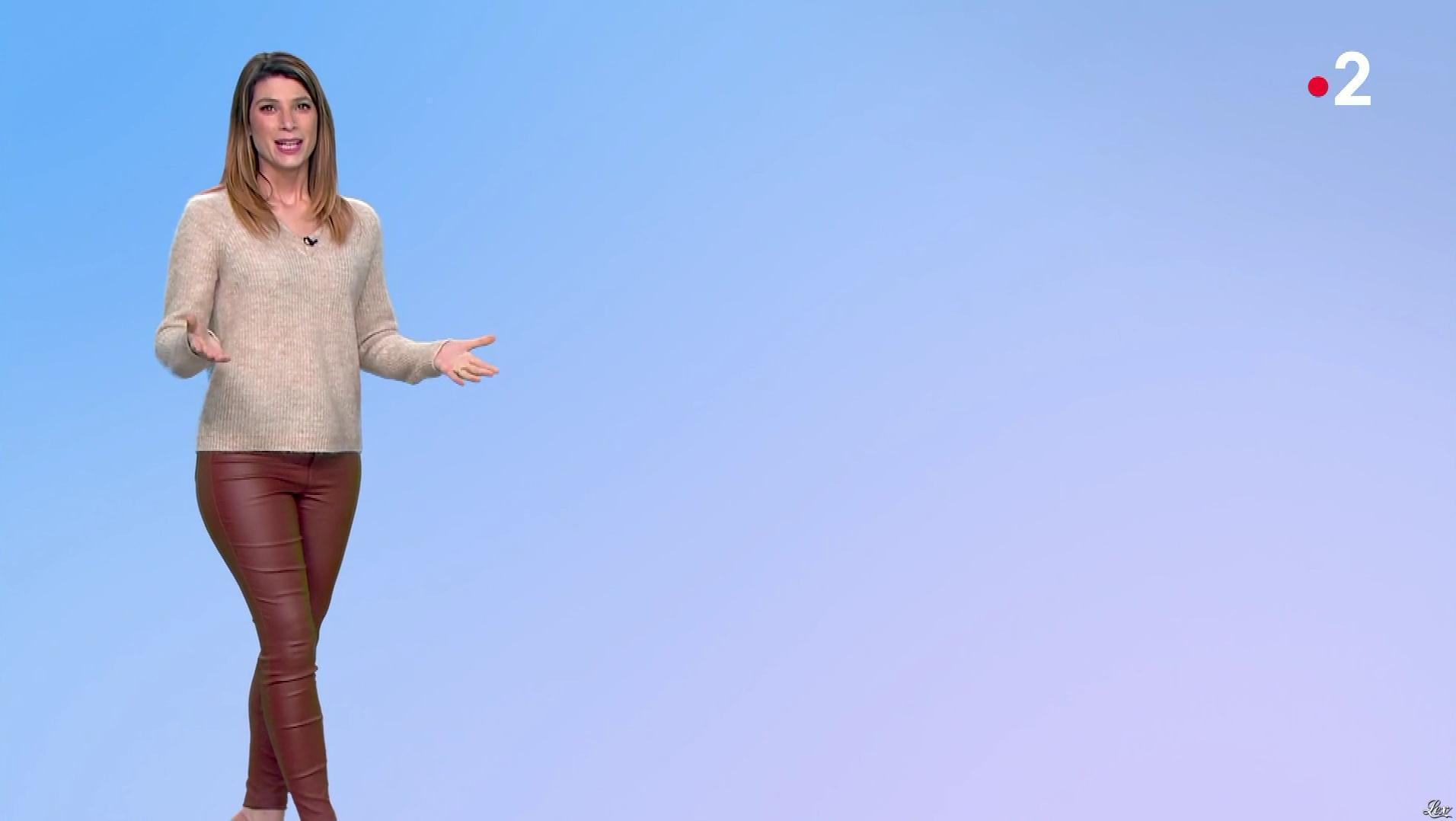 Chloé Nabédian à la Météo du Soir. Diffusé à la télévision le 17/01/20.