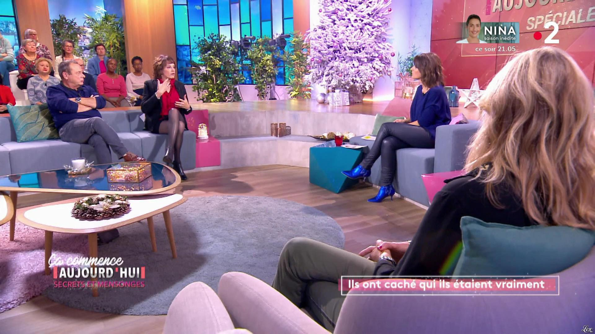 Faustine Bollaert dans Ça Commence Aujourd'hui. Diffusé à la télévision le 27/11/19.