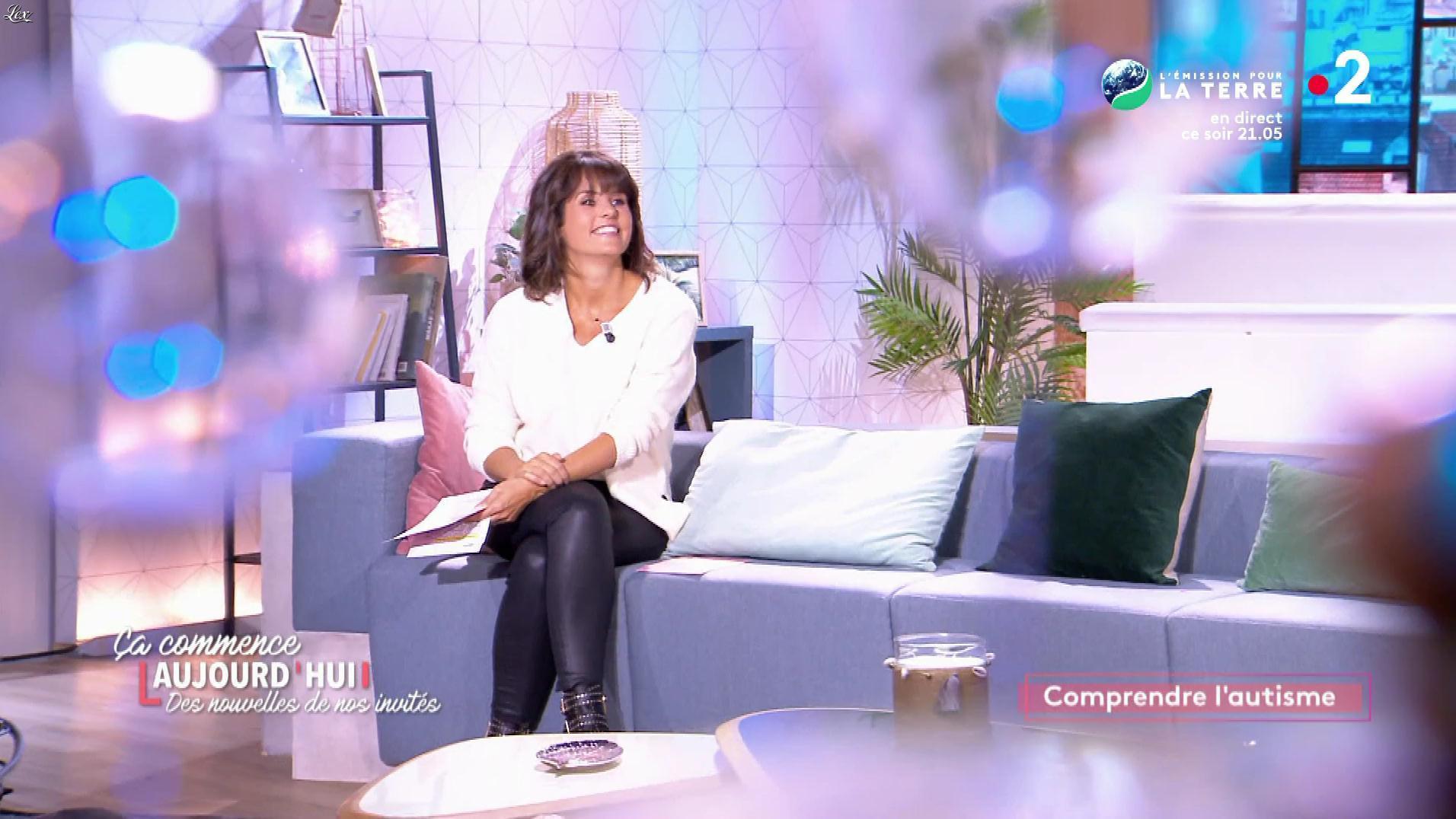Faustine Bollaert dans Ça Commence Aujourd'hui, Des Nouvelles.... Diffusé à la télévision le 15/10/19.