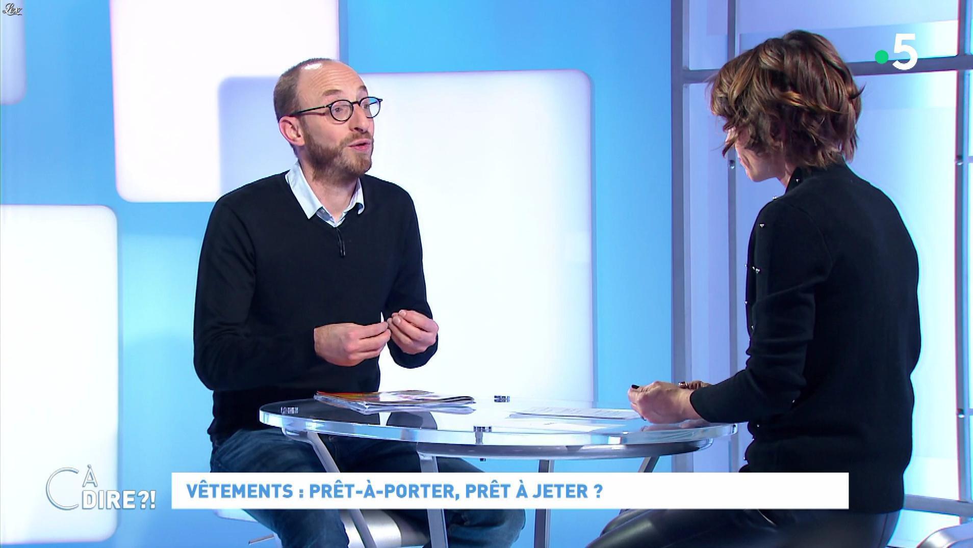 Mélanie Taravant dans C à Dire. Diffusé à la télévision le 05/12/19.
