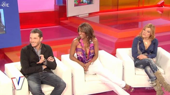 Ainett Stephens dans Verissimo. Diffusé à la télévision le 13/03/10.