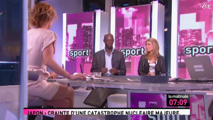 Caroline Roux dans la Matinale. Diffusé à la télévision le 16/03/11.