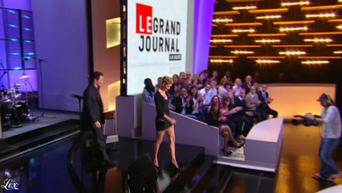Clotilde Courau dans le Grand Journal De Canal Plus. Diffusé à la télévision le 29/03/11.