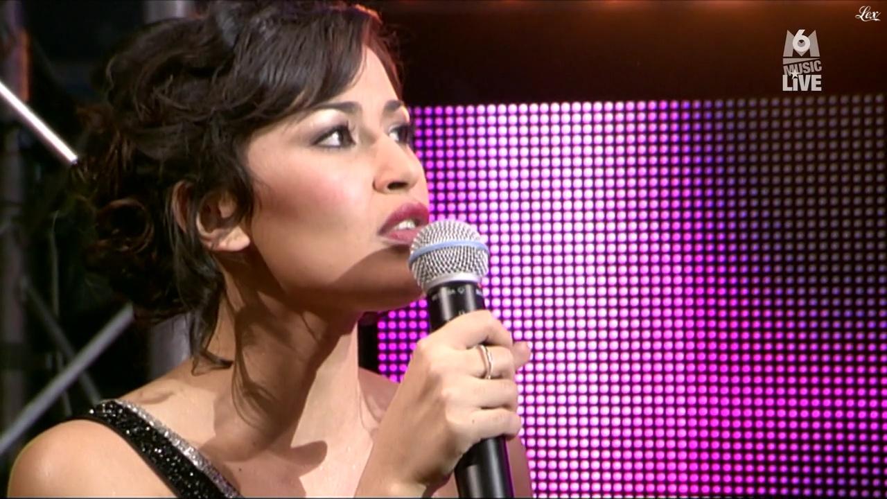 Karima Charni dans M6 Music Live. Diffusé à la télévision le 27/02/11.