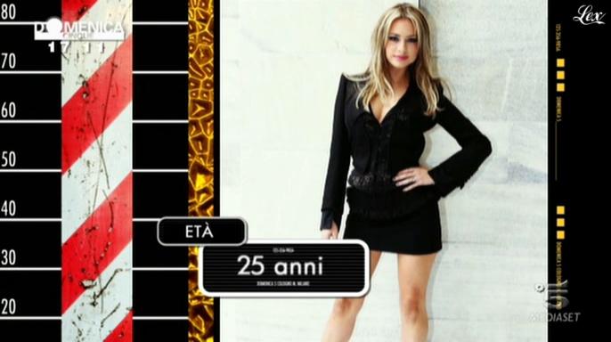 Martina Stella dans DomeniÇa Cinque. Diffusé à la télévision le 07/11/10.