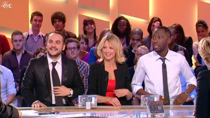 Virginie Efira dans le Grand Journal De Canal Plus. Diffusé à la télévision le 04/01/11.