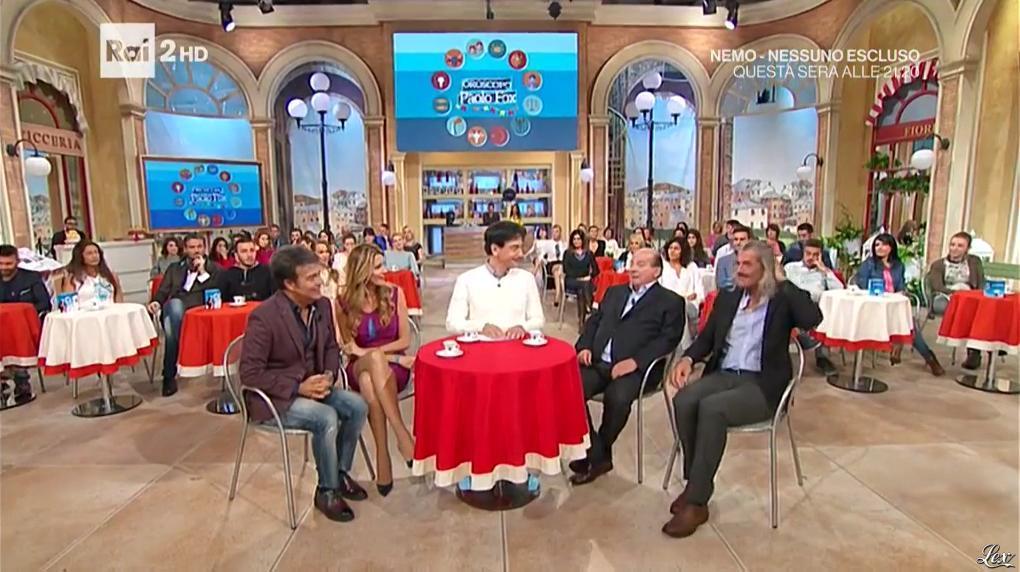 Adriana Volpe dans I Fatti Vostri. Diffusé à la télévision le 19/10/16.