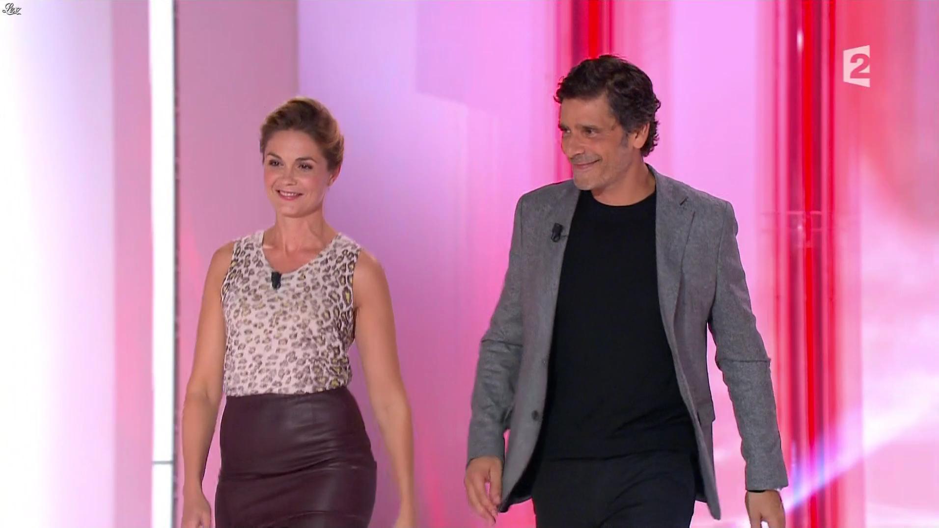 Barbara Schulz dans Vivement Dimanche. Diffusé à la télévision le 09/10/16.