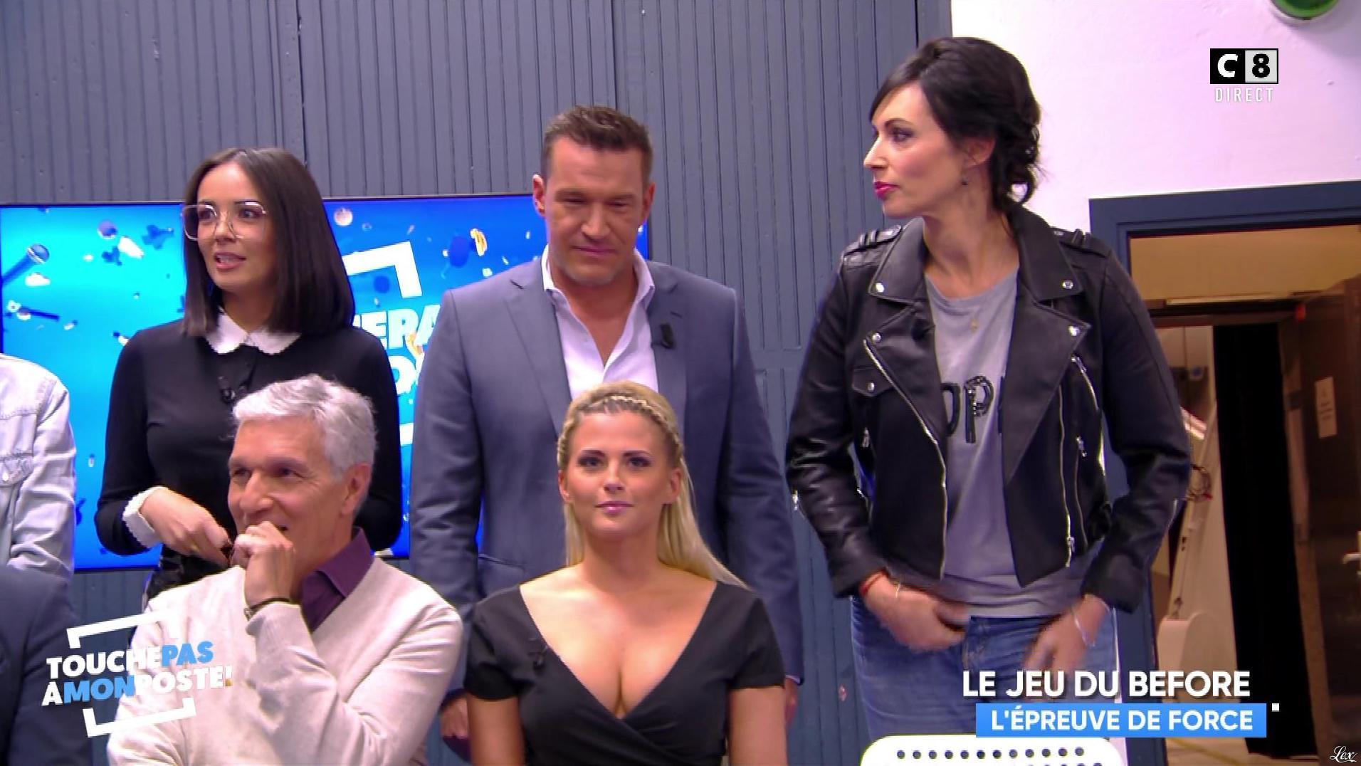 Agathe Auproux et Kelly Vedovelli dans Touche pas à mon Poste. Diffusé à la télévision le 22/11/17.