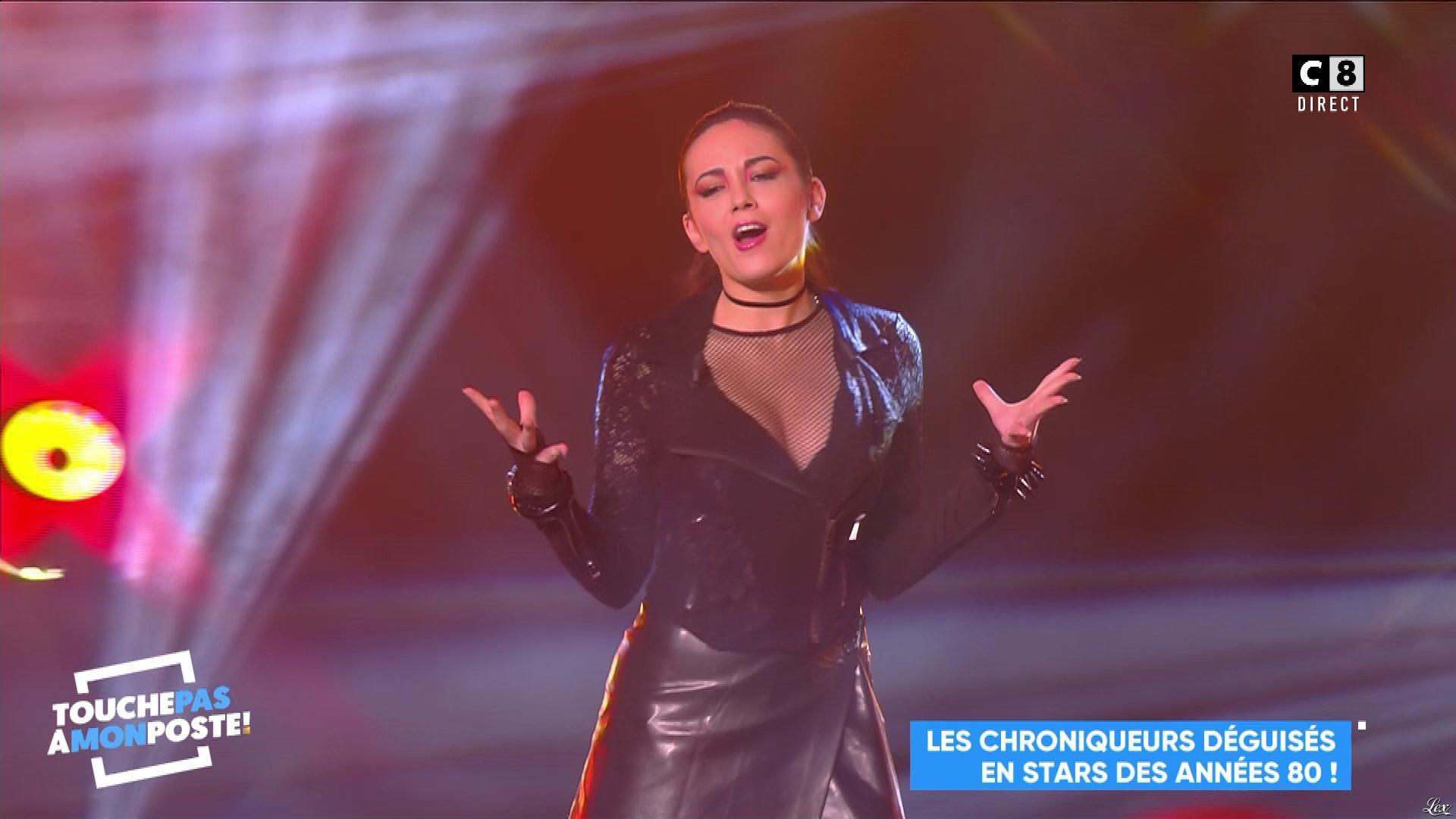 Agathe Auproux dans Touche pas à mon Poste. Diffusé à la télévision le 13/11/17.