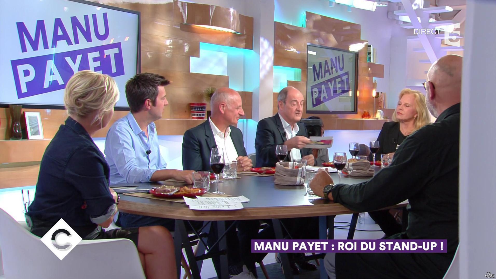 Anne-Elisabeth Lemoine dans C à Vous. Diffusé à la télévision le 12/09/17.
