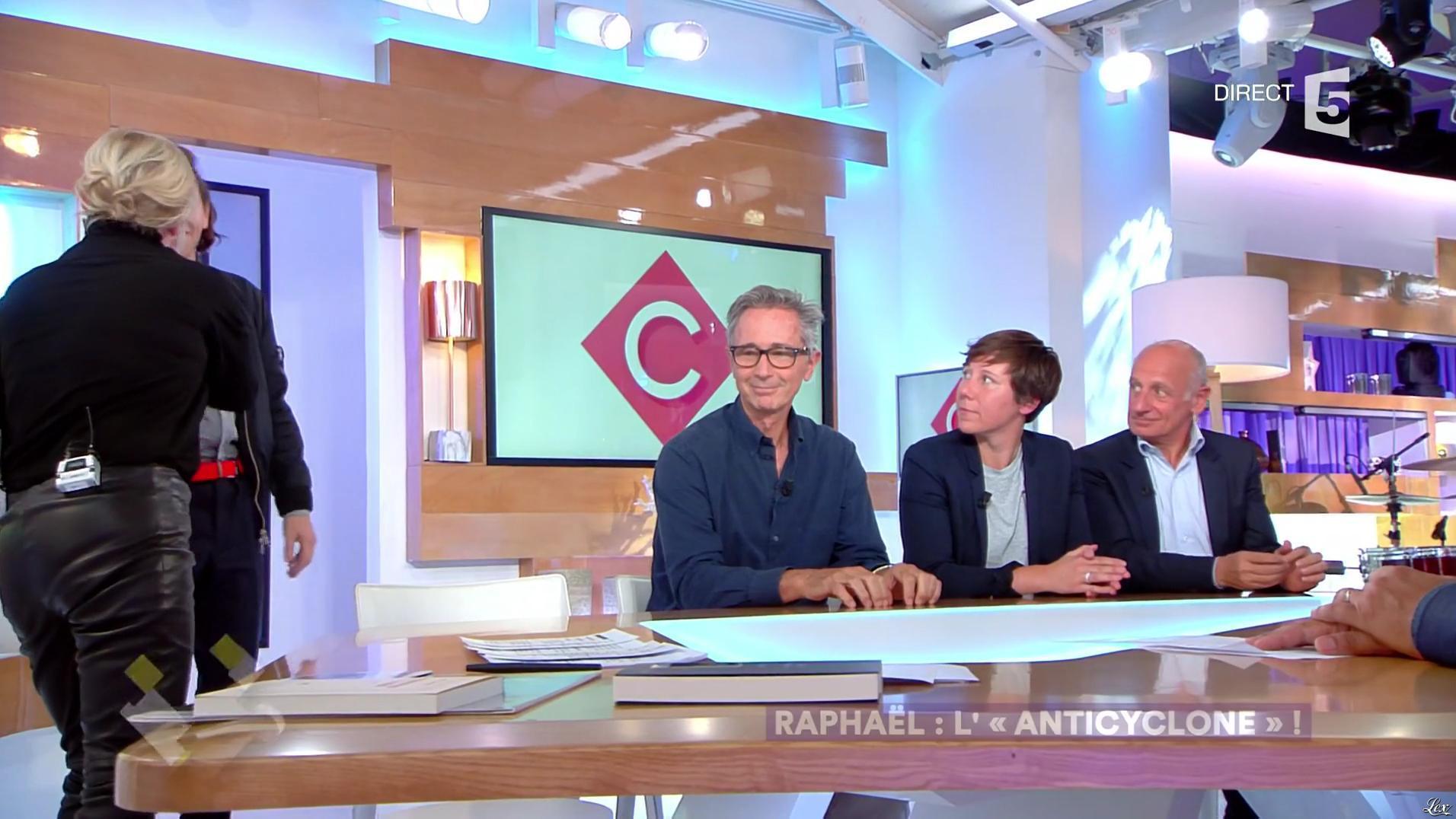 Anne-Elisabeth Lemoine dans C à Vous. Diffusé à la télévision le 21/09/17.