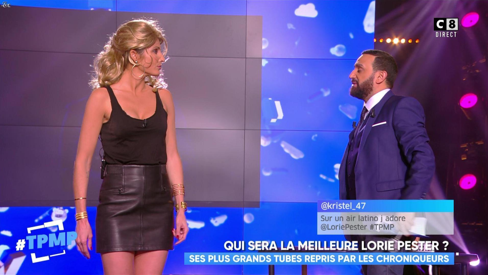 Caroline Ithurbide dans Touche pas à mon Poste. Diffusé à la télévision le 16/11/17.