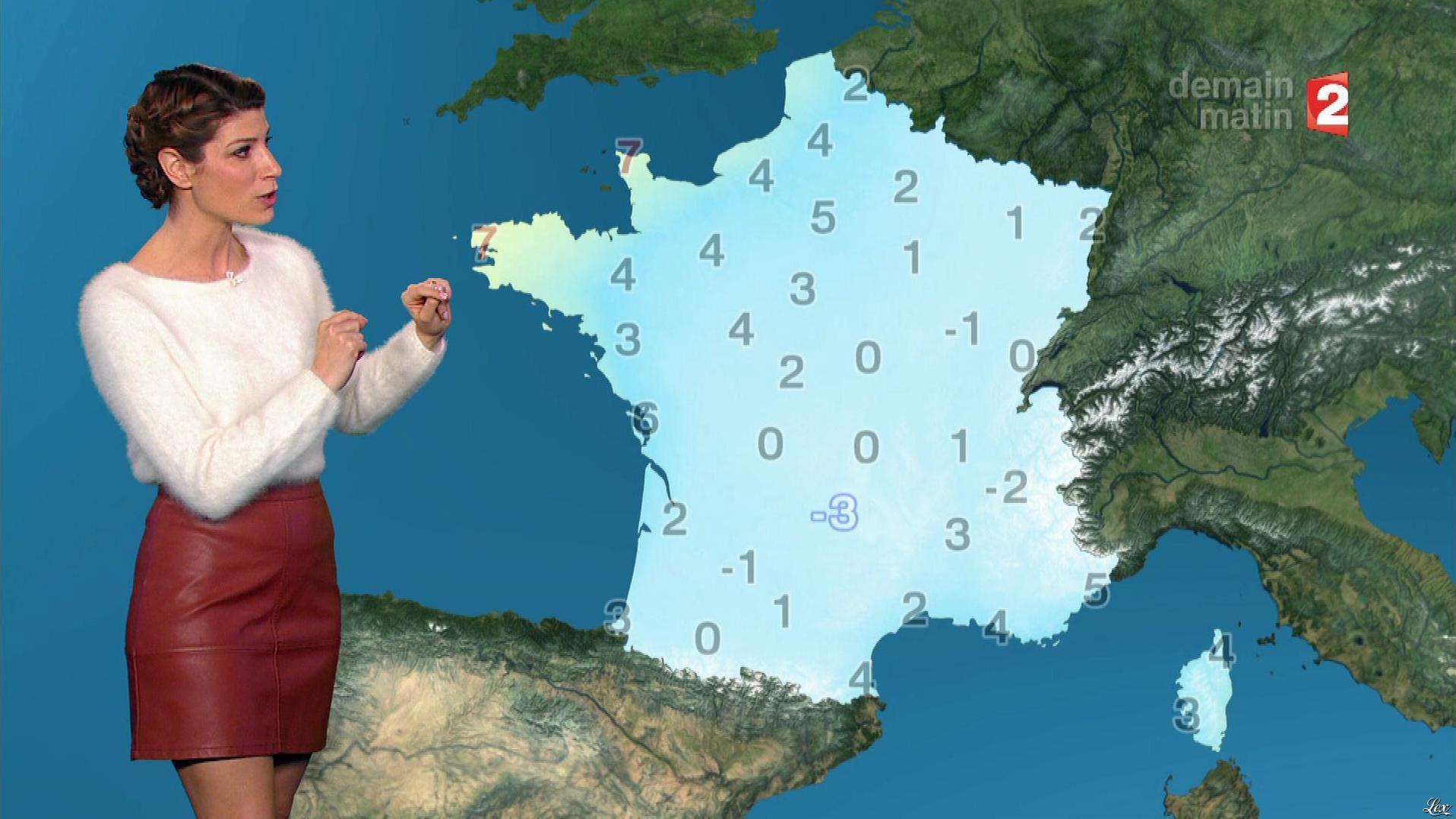 Chloé Nabedian à la Météo du Soir. Diffusé à la télévision le 26/11/17.