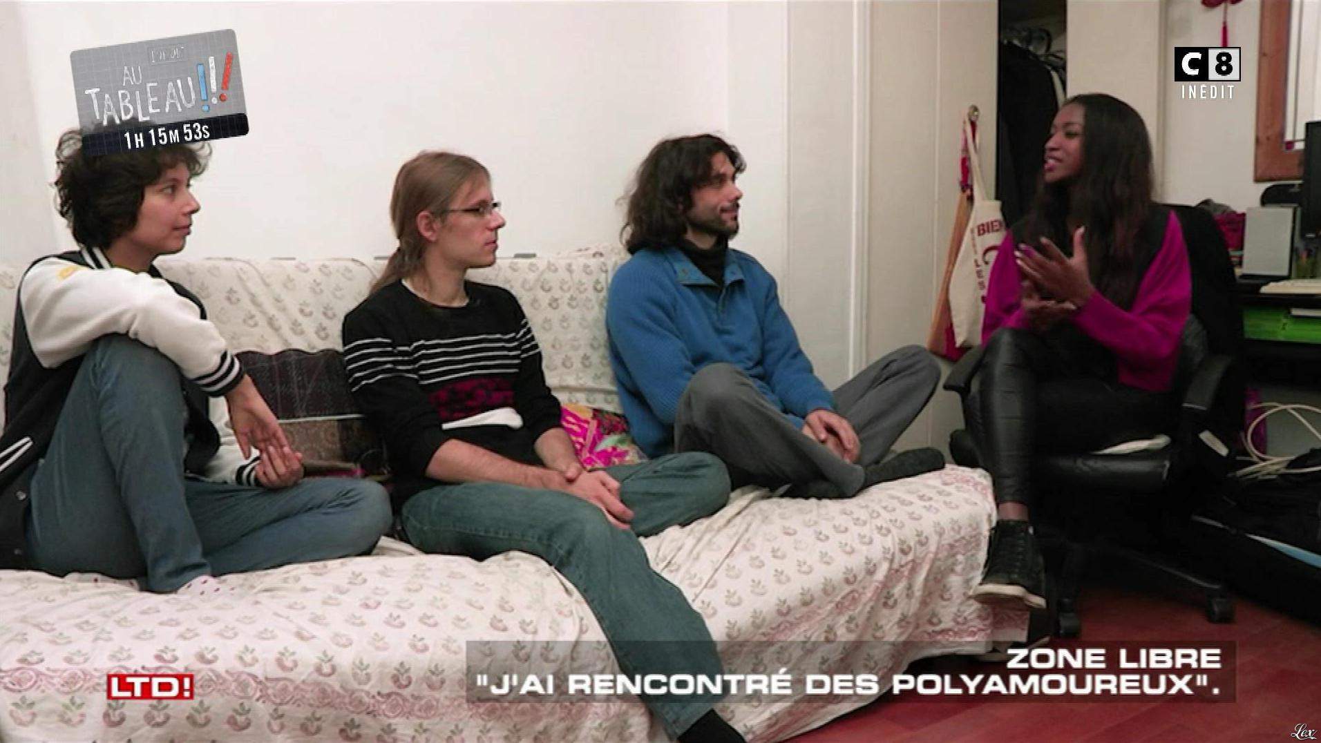Hapsatou Sy dans les Terriens du Dimanche. Diffusé à la télévision le 05/11/17.