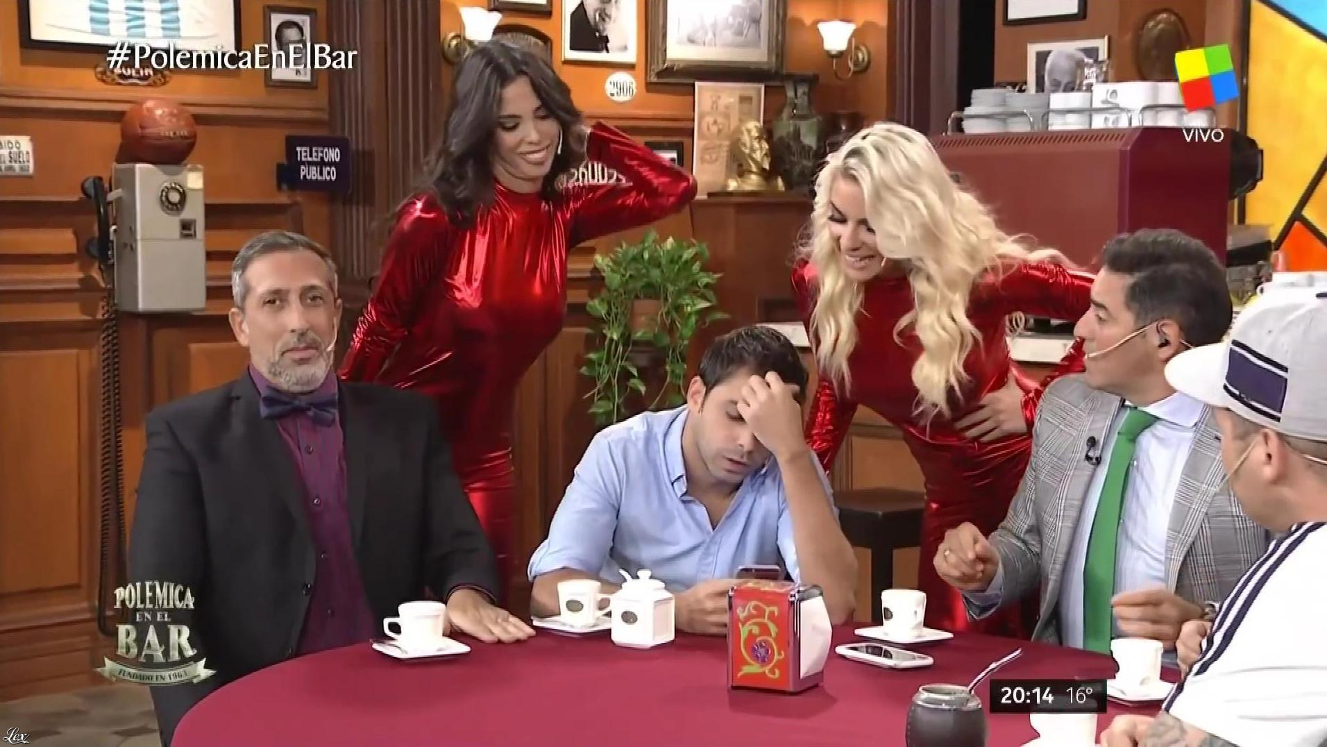 Ailen Bechara et Maypi Delgado dans Polemica en El Bar. Diffusé à la télévision le 17/05/17.