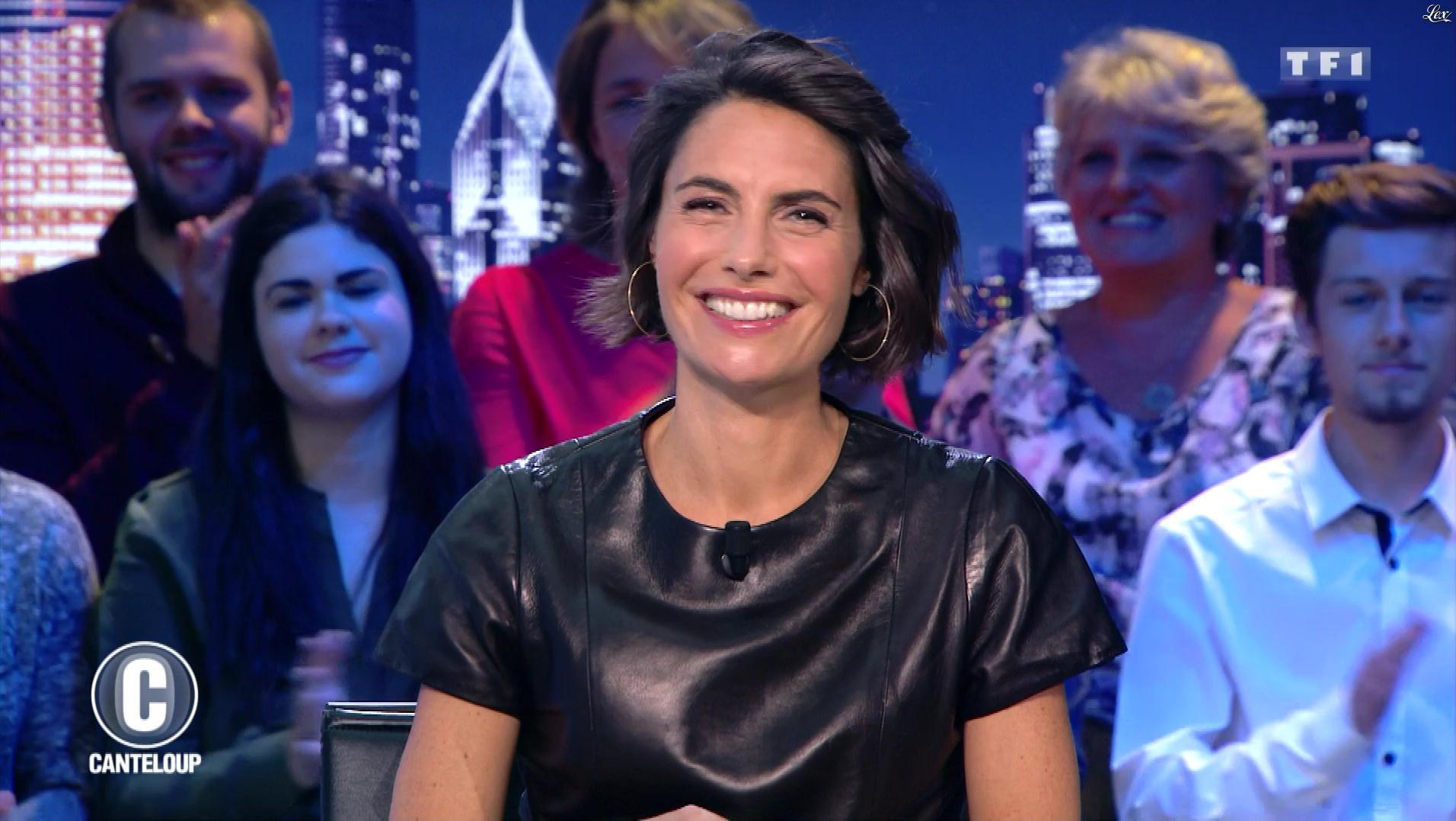 Alessandra Sublet dans c'est Canteloup. Diffusé à la télévision le 31/10/18.