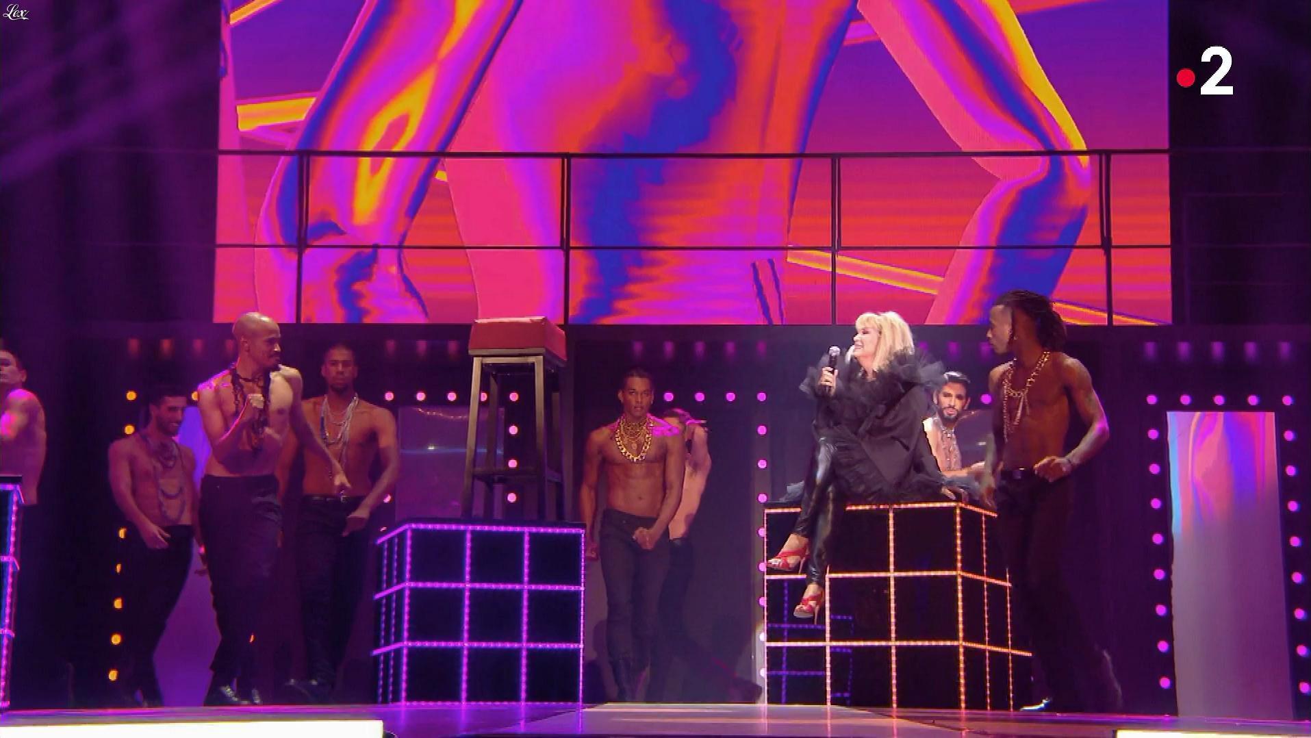 Amanda Lear dans Jean Paul Gaultier Fait son Show. Diffusé à la télévision le 13/10/18.