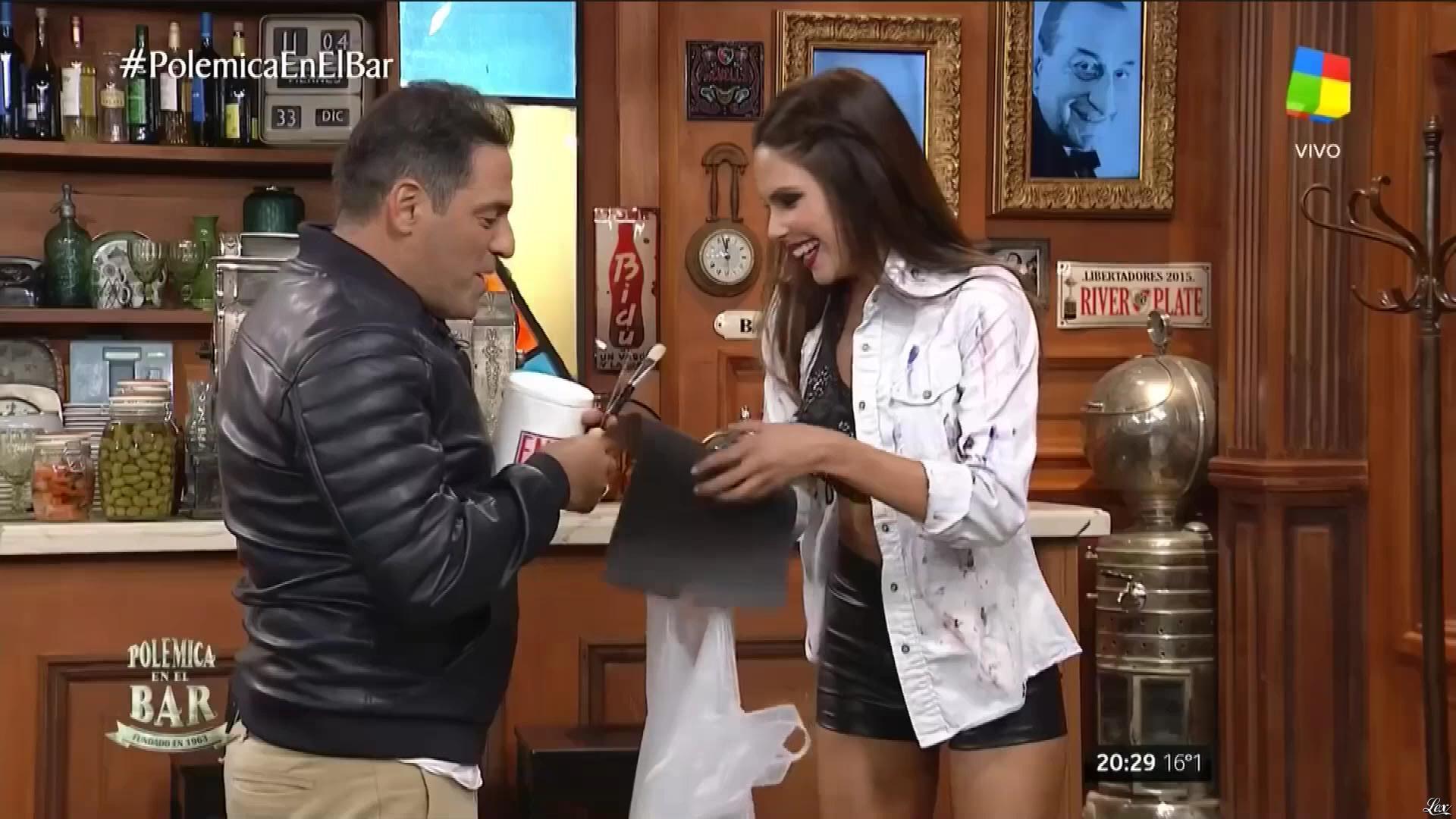 Barby Franco dans PolemiÇa en El Bar. Diffusé à la télévision le 12/05/17.
