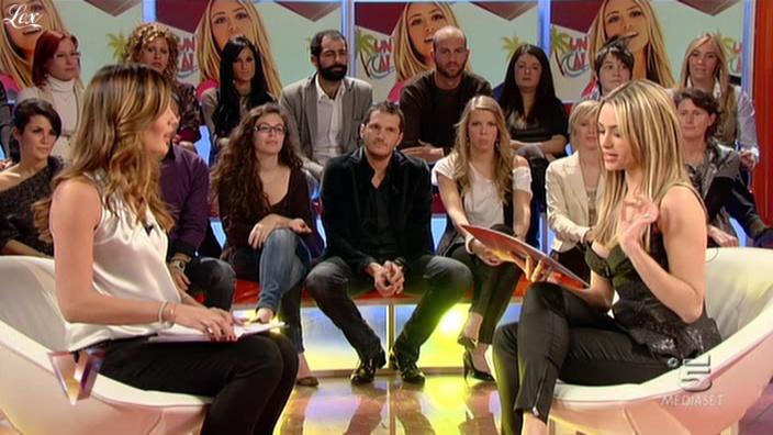 Silvia Toffanin et Martina Stella dans Verissimo. Diffusé à la télévision le 13/11/10.